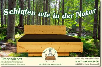 Zirbenholzbett mit natürlichen Verbindungen und naturbelassener Oberfläche